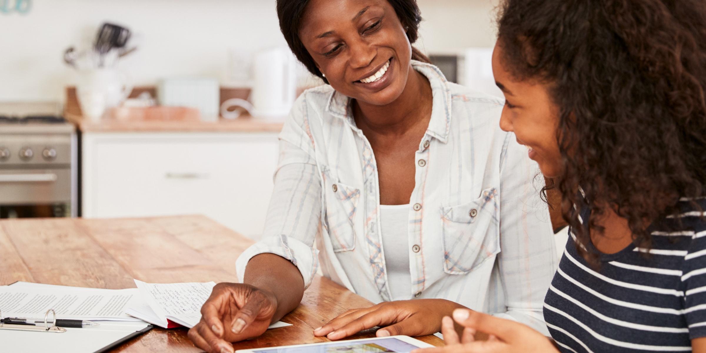 ENTRETENIR UNE BONNE COMMUNICATION PARENT-ADOLESCENT