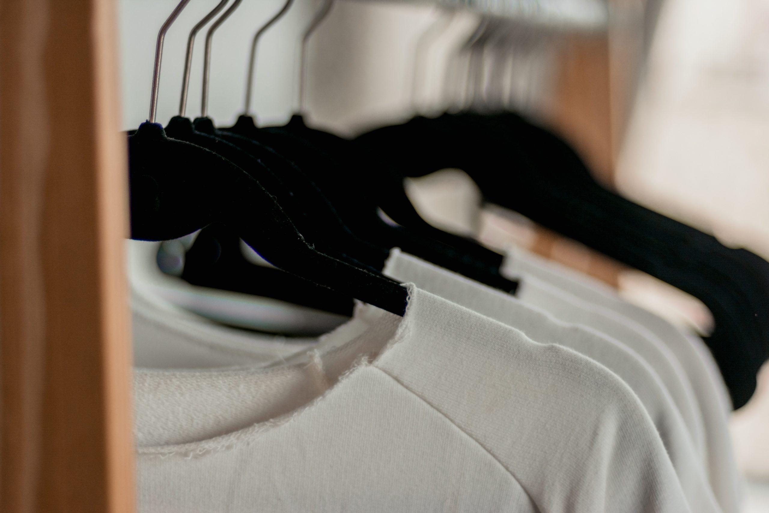 MandRshirts : une marque de chandails créée par deux jeunes sœurs!
